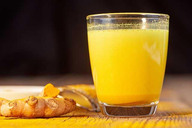 Top 5 cách uống để làm đẹp với tinh bột nghệ